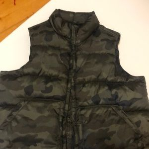 Old Navy Cammo puffy vest